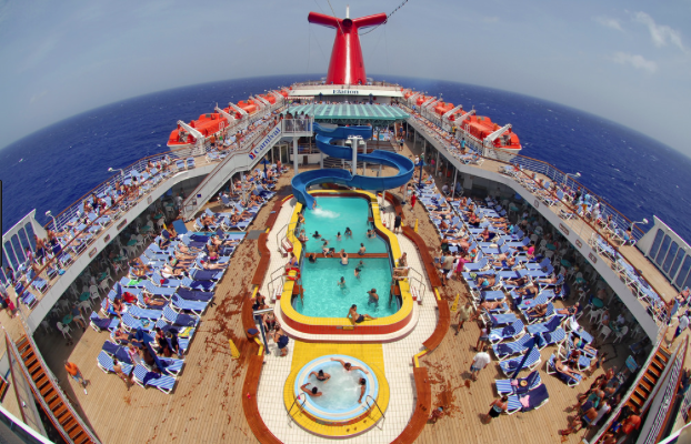 Carnival cruise ship in Miami: 8 year old fell to her death
