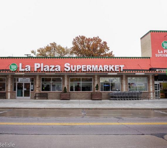 La Plaza Supermarket adds a Taqueria