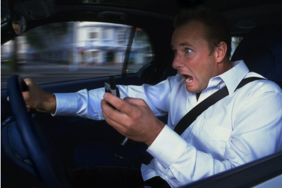 Phones+While+Driving+are+Gone