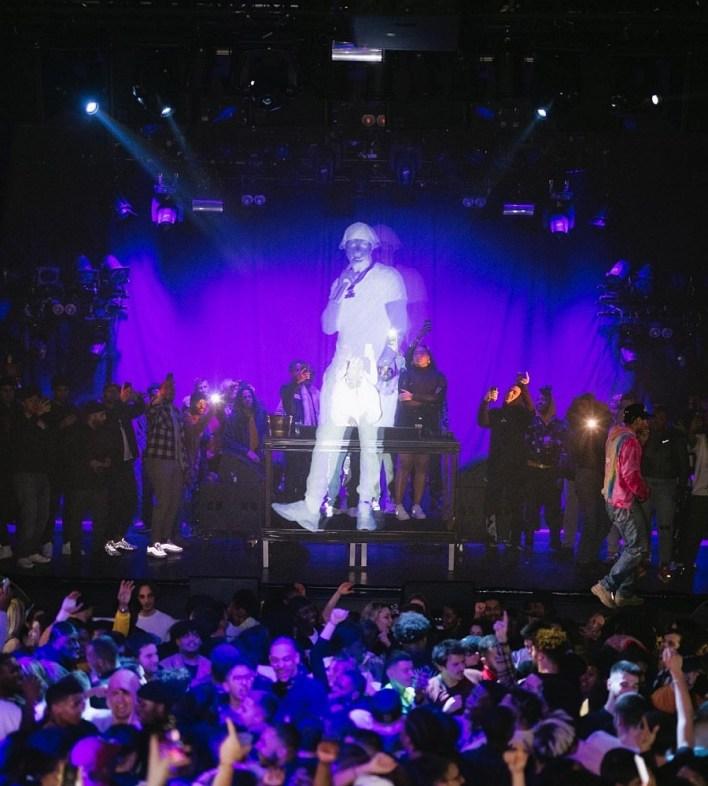 Pop Smoke hologram tribute.