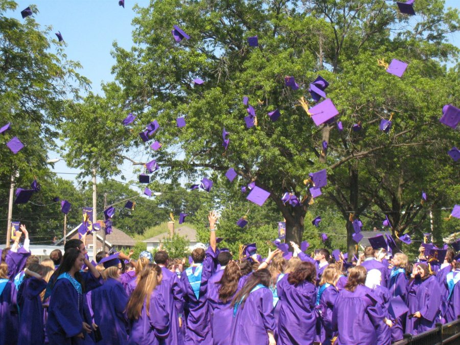 Lakewood High to Hold Virtual Commencement